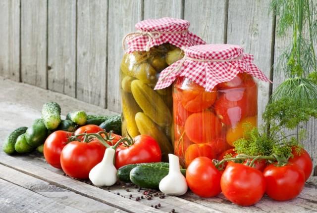 vyrashchivaem-ovoshchnye-kultury-ogurets-tomat-i-drugie-bez-pestitsidov